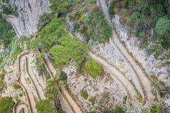 Змейчатый путь через Krupp в Капри, Италия стоковая фотография rf