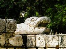 Змей - голова змейки Chichen Itza Стоковые Фотографии RF
