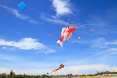 Змей на голубом небе Стоковое Фото
