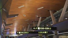 Знаки ворот в аэропорте видеоматериал