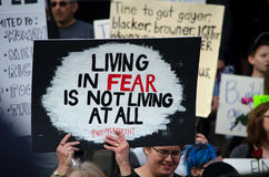 Знаки на протесте козыря стоковое фото rf