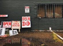 знаки дома открытые Стоковые Изображения RF