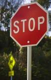 знаки школы останавливают совместно Стоковая Фотография