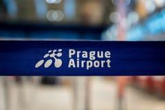 Знак авиапорта Праги на авиапорте Праги Vaclav Havel в прошлом известном как Ruzyne Стоковая Фотография RF
