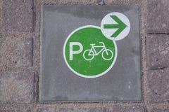 Знак автостоянки велосипеда, Амстердам; Голландия Стоковые Изображения RF