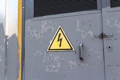 Знак высокого напряжения Стоковые Фото