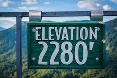 Знак высоты на утесе печной трубы, на парке штата утеса печной трубы, Nort Стоковая Фотография