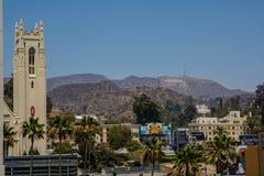 Знак Голливуда обозревая Лос-Анджелес стоковые изображения