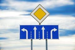 Знак главной дороги и 4 областей Стоковые Изображения