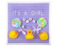 Знак дисплея девушки изолированный на белизне Стоковое фото RF