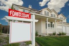 знак дома foreclosure Стоковые Фотографии RF