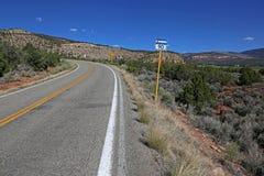 Знак дороги местного значения 90 Колорадо стоковые изображения rf