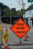 Знак дорожной работы стоковое изображение rf