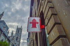 Знак жидкостного огнетушителя, Монреаль Стоковое Изображение RF