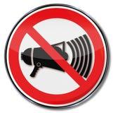 Знак запрета с мегафоном иллюстрация штока