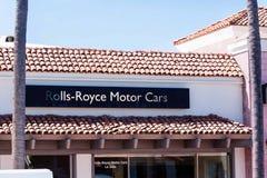 Знак заявляет автомобили Rolls Royce - дилерские полномочия La Jolla Стоковое фото RF