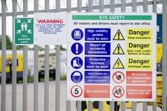 Знак здоровья и безопасности здания конструкции стоковые фото