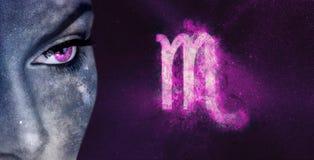 Знак зодиака Scorpio Женщины астрологии ночного неба Стоковое фото RF