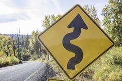 Знак извилистой дороги стоковое фото rf