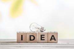Знак идеи с электрической лампочкой Стоковые Фотографии RF