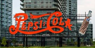 Знак колы Пепси на ` s ферзя стоковое изображение