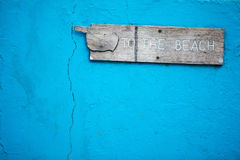 Знак к пляжу Стоковые Фотографии RF