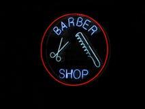 знак магазина парикмахера неоновый Стоковые Фото