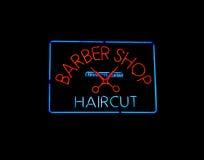 знак магазина парикмахера неоновый Стоковое фото RF
