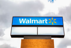 Знак магазина Walmart Стоковые Фото