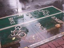 Знак майны велосипеда на улице Стоковая Фотография RF