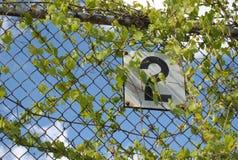 Знак металла на загородке. Стоковая Фотография