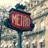 Знак метро Парижа стоковые фотографии rf