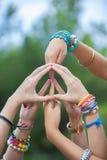 Знак мира или символ сделанные с руками Стоковые Фото