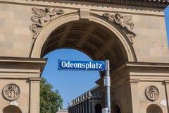 Знак Мюнхен Odeonsplatz Стоковые Изображения