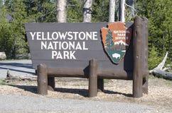 Знак национального парка Йеллоустона стоковые изображения rf