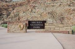 Знак национального парка сводов Стоковое Фото