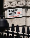 Знак на Даунинг-стрит в Лондоне Стоковая Фотография