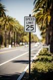 Знак ограничения в скорости 25 Стоковые Изображения