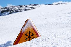 Знак опасности снега Стоковое фото RF