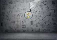 Знак доллара увеличенный увеличителем в man& x27; рука s с doodles дела Стоковые Изображения