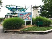 Знак переулка аллигатора на Carowinds в Шарлотте, NC Стоковое Изображение