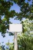 Знак показывая в сельской местности Стоковые Фото