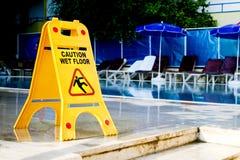 знак пола предосторежения влажный Стоковая Фотография