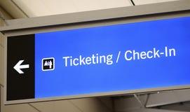 Знак приемистости снабжать билетами, регистрации, и пассажира стоковые фотографии rf