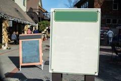 Знак пробелов на входе к дорожке Стоковое Изображение