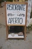 Знак ресторана открытый стоковая фотография