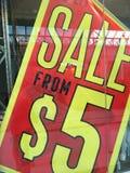 Знак розничной продажи стоковое изображение rf