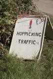 Знак сада хмеля на сезоне Великобритании сбора Стоковое фото RF