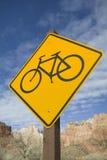 Знак скрещивания велосипеда стоковое фото rf