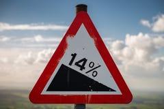 Знак: Спуск 14% Стоковая Фотография RF